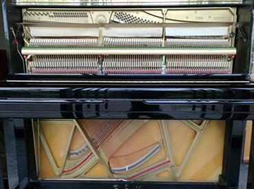 YAMAHA钢琴 U10A