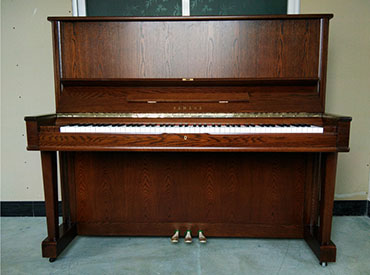 YAMAHA钢琴 W105