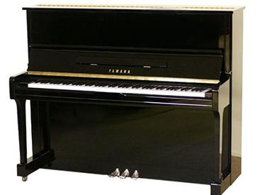 YAMAHA钢琴 U100