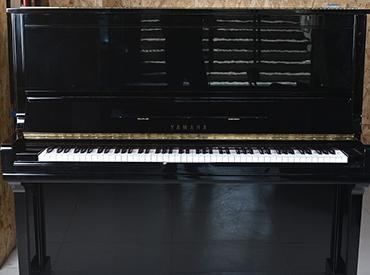 YAMAHA钢琴 U300
