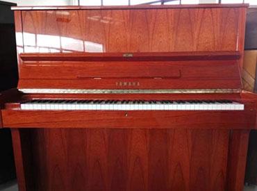 YAMAHA钢琴 W104